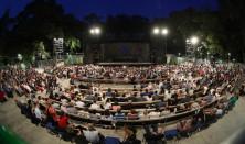 Színes műsor a Szegedi Szabadtéri újszegedi színpadán